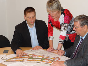 Arne Behre im Gespräch mit Bürgern